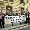 «Репортеры без границ» оккупировали туркменское посольство в Париже