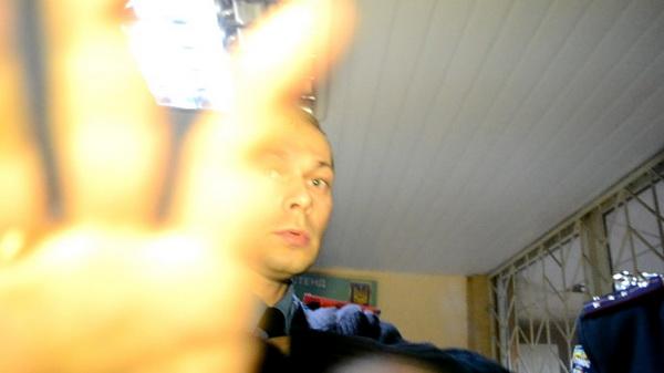У Дніпропетровську оголошено догану міліціонеру, який незаконно забороняв зйомку в райвідділі міліції