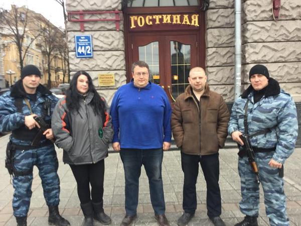 Геращенко пропонує нагородити харківських  екс-«беркутівців», які місяць тому напали на журналістів «Громадського ТБ»