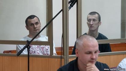 У Росії оголосили вироки українцям: Олегу Сенцову – 20 років колонії, Олександру Кольченку - 10 (ВІДЕО)