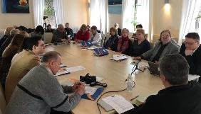 Іванов і Мостовий закликали журналістів Дніпропетровщини ретельно перевіряти факти