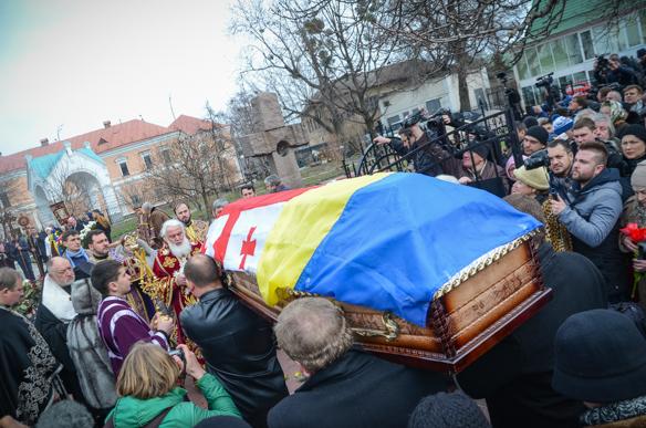 У Києві поховали Георгія Гонгадзе через понад 15 років після вбивства (ФОТОРЕПОРТАЖ)