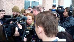 Українські ЗМІ вдалися до дискримінації та ксенофобії, висвітлюючи тему біженців у Яготині, – рішення Незалежної медійної ради