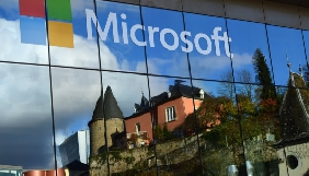 Microsoft продала бізнес Nokia виробнику iPhone