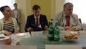 Рада з питань захисту свободи слова вимагає санкцій щодо осіб, причетних до переслідувань журналістів у Криму