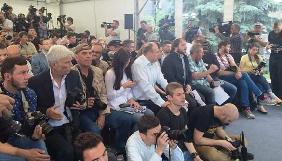 На прес-конференцію Порошенка акредитувалися понад 100 ЗМІ