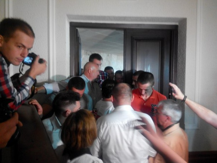 Луцьких журналістів не пускали у сесійну залу облради