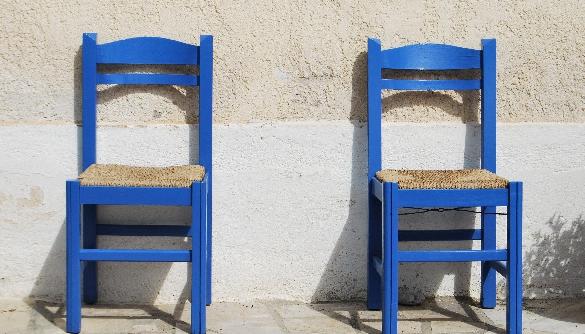 Медіапрофспілка: неможливо одним задом на кількох стільцях