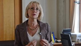 Ірина Кармелюк: «У парламенті дівчата в спідничках створюють атмосферу цирку»