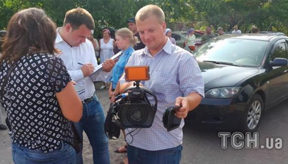 Учасник хресного ходу розбив камеру журналістам ТСН