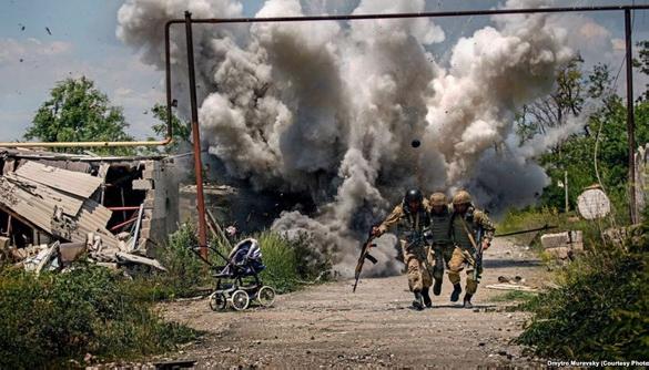 20 фотожурналістів заявили, що постановочні знімки із зони АТО шкодять документальній журналістиці