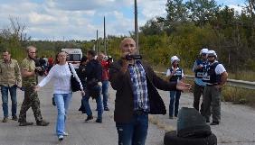Блогер-українофоб Філліпс влаштував провокацію під час звільнення Жемчугова – Геращенко вимагає реакції