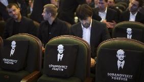 Порошенко заявив, що зараз потрібно знімати фільми про перемоги українців