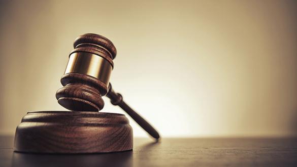 У Полтаві конвоїр вигнав журналістів із зали суду, але дозволив фотозйомку в суді одіозній адвокатці