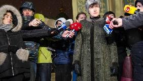Савченко в шапке, власть - в выигрыше