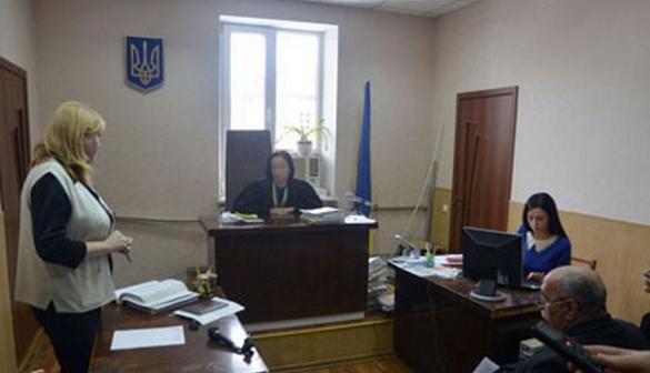 У Кам'янському суддя намагалася позбавити журналістів права бути присутніми на відкритому засіданні суду