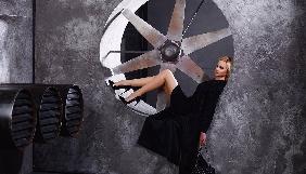 Лилия Ребрик показала стройные ноги в модной фотосессии