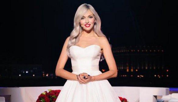В программе «Светская жизнь» Катю Осадчую заменила Оля Полякова
