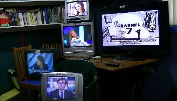 Регулювання медіа в Австралії та боротьба мовників проти високих податків