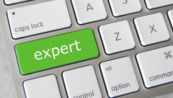 «Хотілося б побачити список експертів із інформацією, на які політичні сили вони працюють»