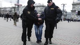 Редактор білоруської версії сайту InformNapalm та частина затриманих у Білорусі журналістів залишаються за гратами