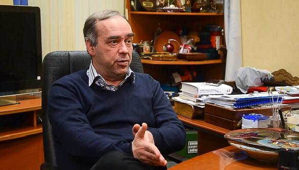 Александр Мартыненко: «Информагентство, конфликтующее с властью, равно как и поддерживающее власть, — это нонсенс»