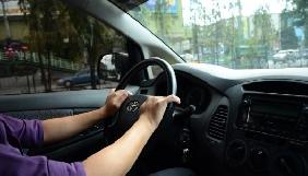 Восьмирічний хлопчик навчився водити машину на YouTube і поїхав в «McDonald's»