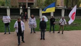 Прокуроры спрятались от журналистов в здании прокуратуры
