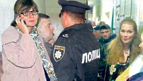 На Вінниччині вагітну журналістку виштовхали із засідання сесії