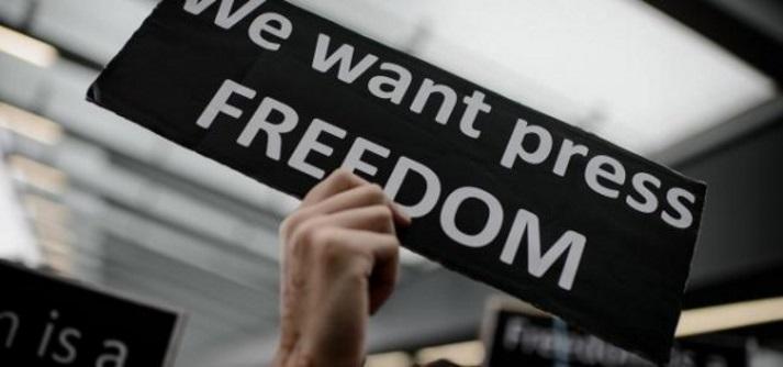 У день свободи преси НСЖУ закликає колег добиватися волі для журналістів Семени і Сущенка