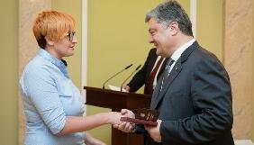 Президент заявив, що журналістика в Україні стала четвертою владою, і подякував журналістам за підтримку мовних квот в медіа