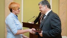 Порошенко нагородив орденами 17 медійників (СПИСОК)