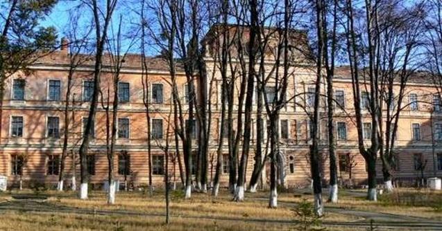 Омбудсман звернувся до поліції щодо ненадання Чернівецькою лікарнею інформації про декларації