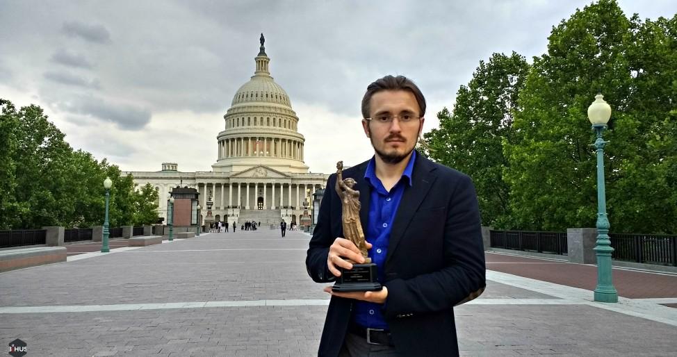 У США Денис Бігус отримав міжнародну премію Democracy Award-2017