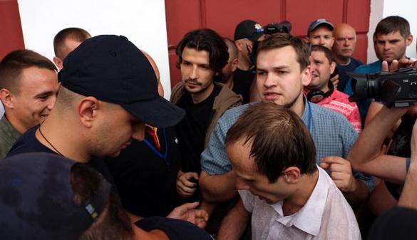 За фактом нападу в Одеській мерії на позаштатного журналіста відкрито кримінальне провадження
