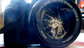 В Одесі невідомі напали на журналістів, які знімали сюжет про знущання над тваринами