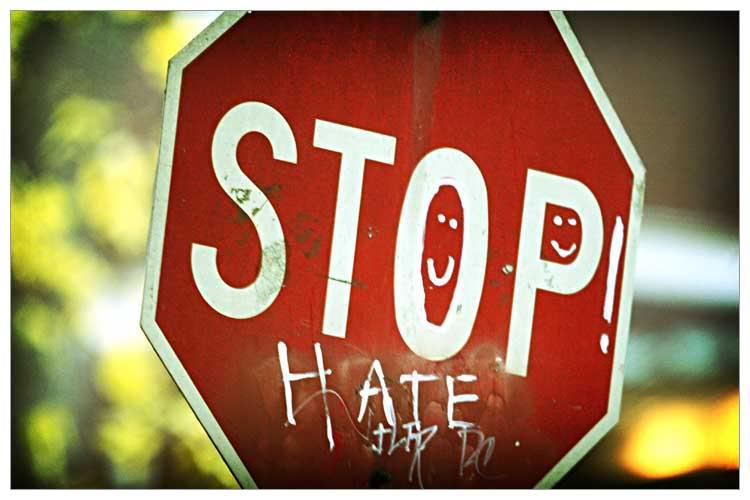 А ненависти все больше. Кейсы по использованию языка вражды в запорожских СМИ