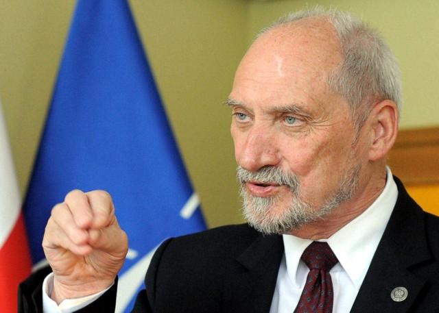 Міністр нацоборони Польщі припустив, що до масованих кібератак в Україні та Європі причетна Росія