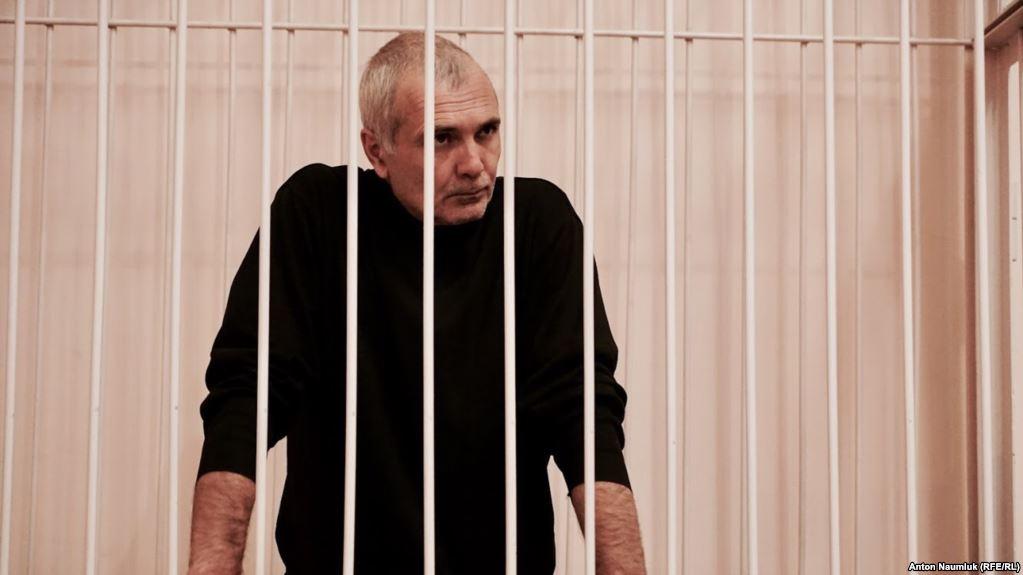 У Криму журналіст Назімов скаржиться на вимушені голодування під час етапування на судові процеси