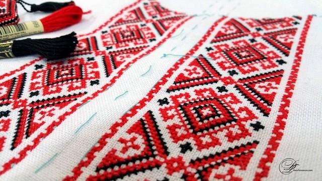 Казахстанські журналісти на знак солідарності з Україною вдягли вишиванки