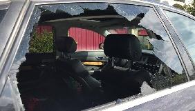В Ужгороді журналісту Нового каналу пошкодили авто