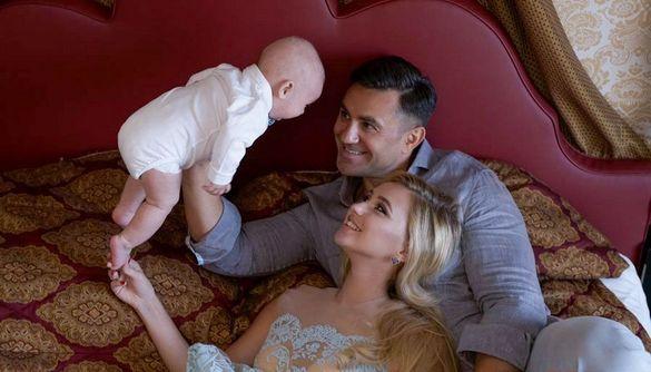 Ведучий «Ревізора» показав дружину та маленького сина у всій красі