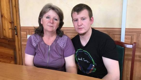 Мати затриманого росіянина Агеєва зустрілася зсином, заявили вСБУ