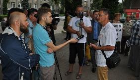 Житомирський журналіст вимагає кваліфікувати напад на нього, як злочин через професійну діяльність