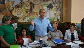 В окупованому Криму власник зоопарку намагається довести порушення стандартів в репортажі ДТРК «Крим 24»