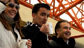 Син Міхеіла Саакашвілі просувається в журналістській кар'єрі
