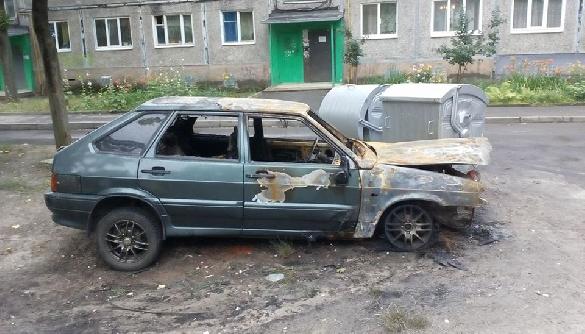 У Харкові згоріло дощенту авто головреда сайту Insider news (ФОТО)