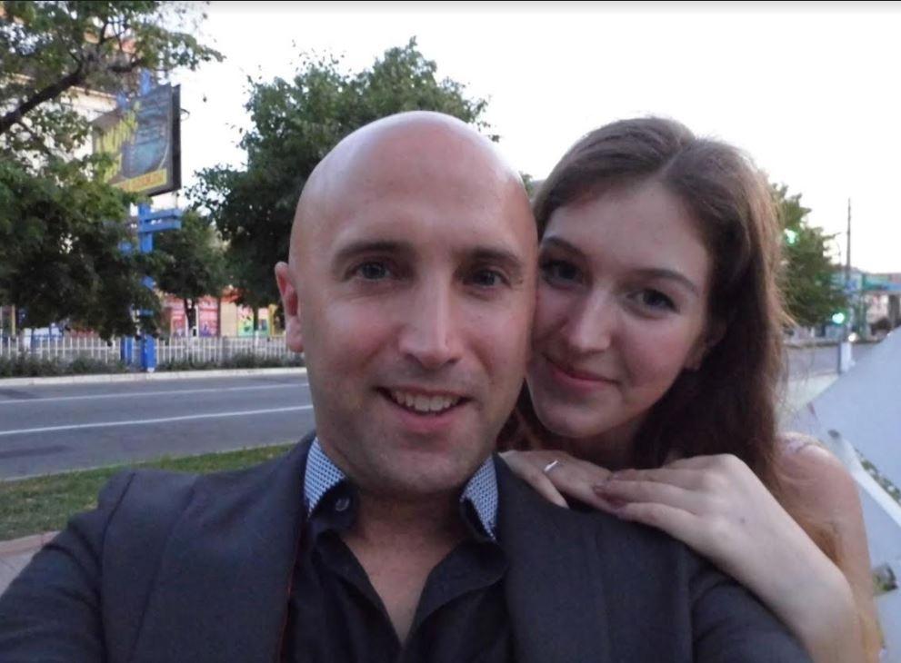 Пророссийский пропагандист Грэм Филлипс сделал предложение луганчанке