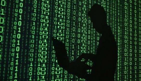 До США з Литви екстрадують громадянина, підозрюваного у кібершахрайстві проти Google і Facebook