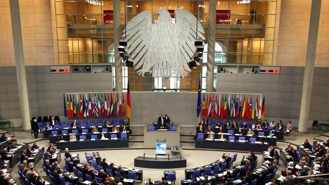 Виборців у Німеччині переконують, що вибори до парламенту захищені від хакерських атак